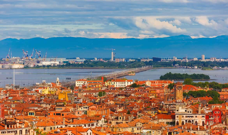 Il caso, la divisione tra Mestre e Venezia