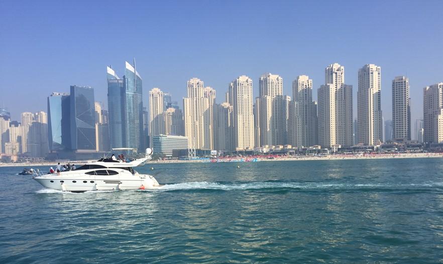 Deserti assolati e piste da sci nel centro commerciale, la magia degli Emirati Arabi e dell'Oman