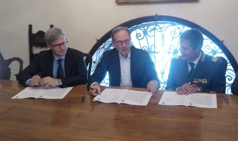 Vigili del Fuoco, firmata la convenzione tra Corpo nazionale e Protezione civile del Veneto