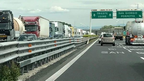 Fvg – Giornata nera sulla A4 Trieste-Venezia: arrivano gli scooter anti code