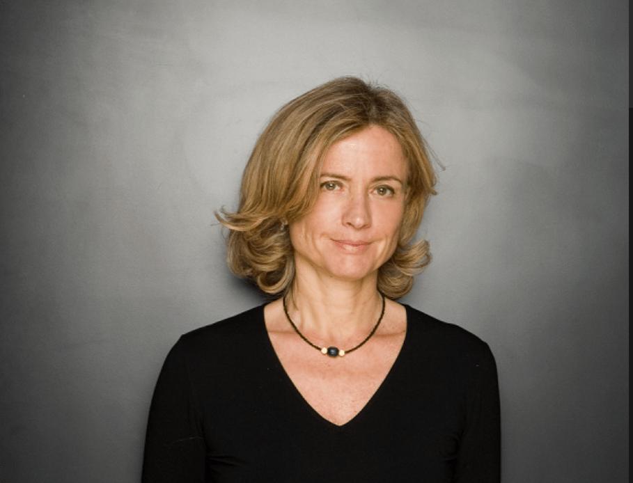 Moda e cultura, al McArthurGlen Cristina Comencini e il suo ultimo libro