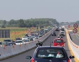 Primo esodo estivo nel fine settimana. Le previsioni di Autovie Venete per la A4 Venezia – Trieste e per la A23 Palmanova – Tarvisio