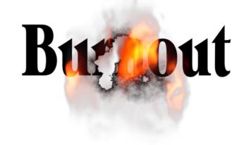 """Il """"burn-out"""": il lavoro di assistenza che """"brucia e consuma"""" le persone"""