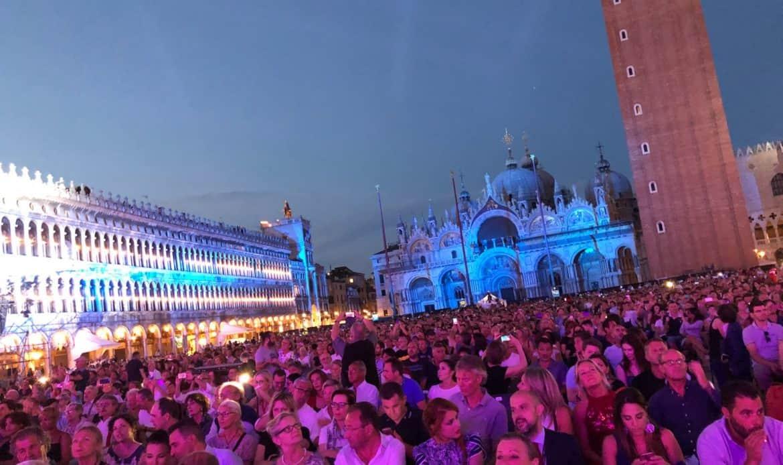 """Zucchero strega Venezia con il suo """"The best live"""""""