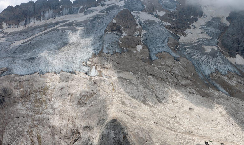 """La """"poca"""" prima neve dell'autunno ha finalmente mandato a dormire i ghiacciai"""