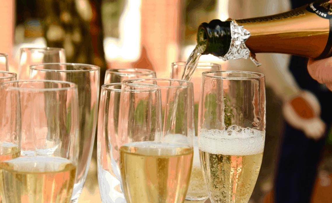 """Superbe bollicine, lo champagne """"Special Club"""""""