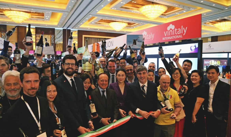 Cina: il Vinitaly guida il sistema-Italia per la promozione del vino