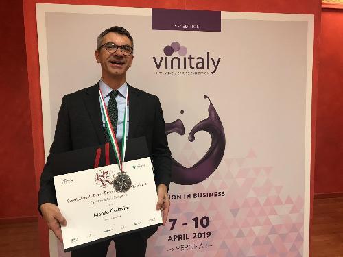 """Il premio Angelo Betti, ideatore di Vinitaly, assegnato al """"Signore della ribolla"""", il friulano Manlio Collavini"""