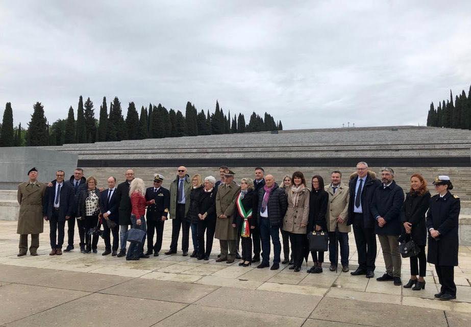 Delegazione di parlamentari in visita al Sacrario Militare di Redipuglia