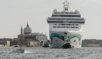 """Grandi Navi a Venezia: """"Vietare il passaggio nel cuore di Venezia e rivedere l'offerta crocieristica ampliando alle località retroportuali"""""""