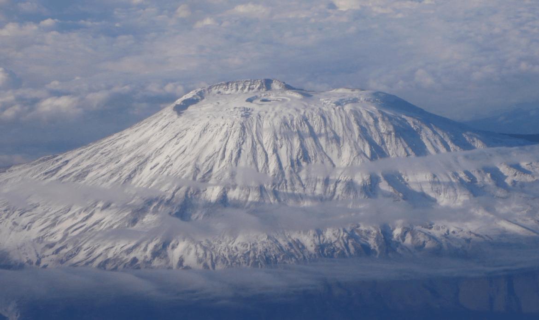 Il racconto della domenica. Il vecchio e il Mac: Le nevi del Kilimangiaro