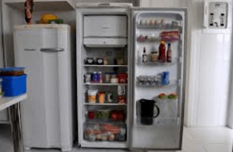 """Lettura della domenica. """"Storia triste di un frigorifero"""""""