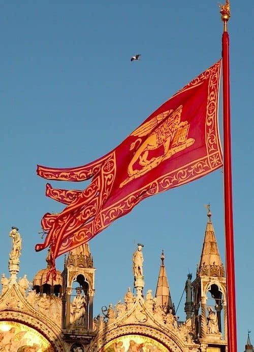 """L'intervento. """"Facciamo sventolare la bandiera di San Marco"""""""