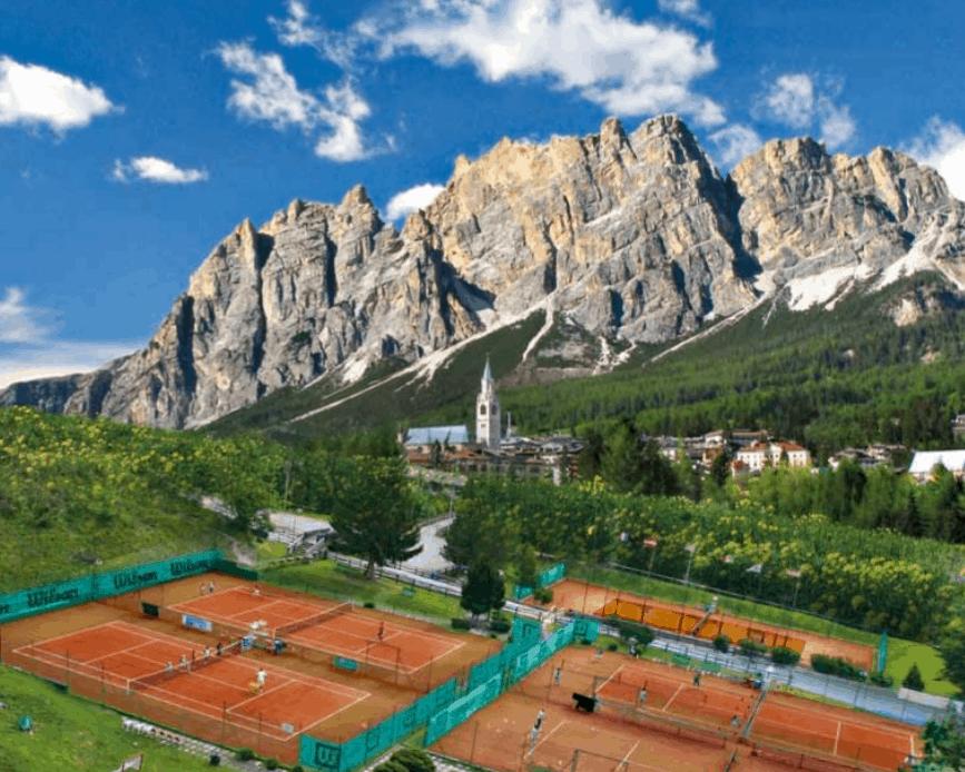 """Tennis Cortina. Nasce il Comitato: """"Salviamo il Country"""""""